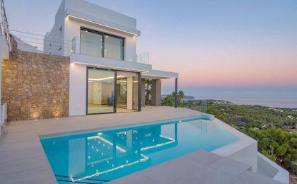 Buitengewoon huis te koop in Calpe